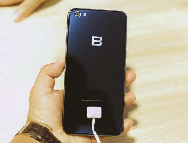 BPhone là smartphone đầu tiên trên thế giới được trang bị công nghệ AI Camera, nhưng công nghệ này là gì thì lại không được BKAV nhắc đến