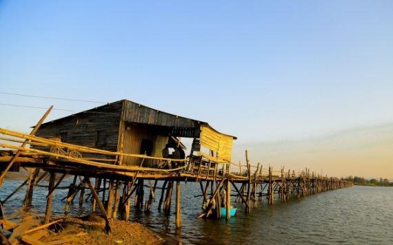 Cầu Ông Cọp(hay còn được biết với tên gọi là cầu Bình Thạnh hay cầu Tuy An) bắc qua sông Bình Bá Nối liền các thôn phía bắc xã An Ninh Tây (huyện Tuy An) với thị xã Sông Cầu, phục vụ nhu cầu đi lại cho người dân tại đây.