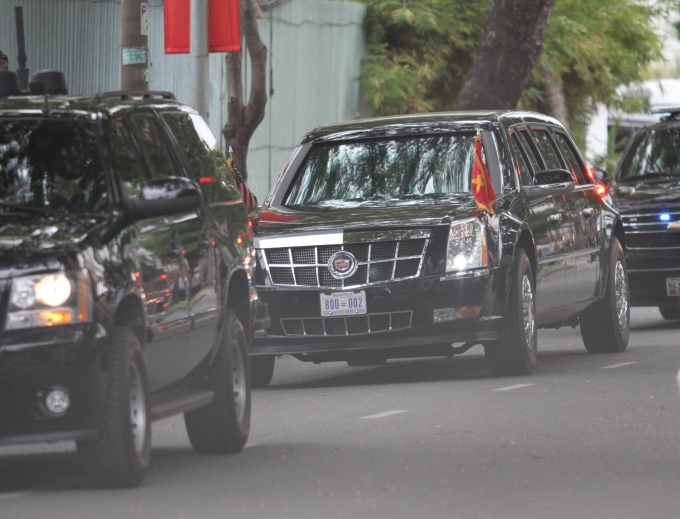Đoàn xe của Tổng thống Obam trên đường ra sân bay. (Ảnh: Dân trí)