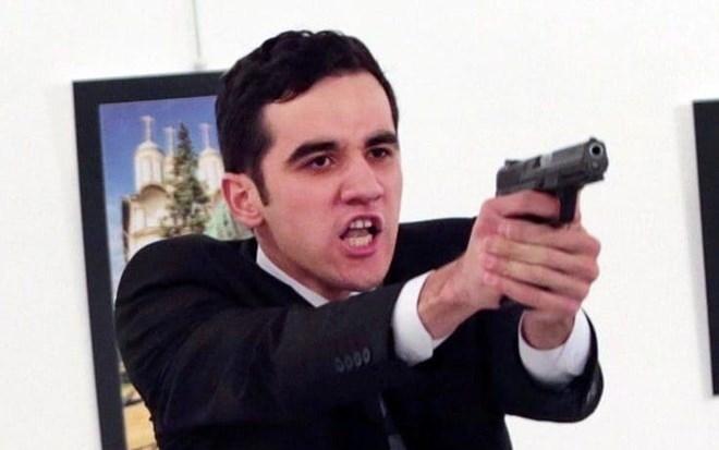 Mevlut Mert Altintas, thủ phạm bắn chết Đại sứ Nga tại Thổ Nhĩ Kỳ.