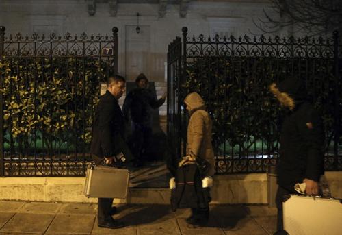 Cảnh sát đã có mặt tại nhà của ôngMalanin để điều tra. (Ảnh: AP)