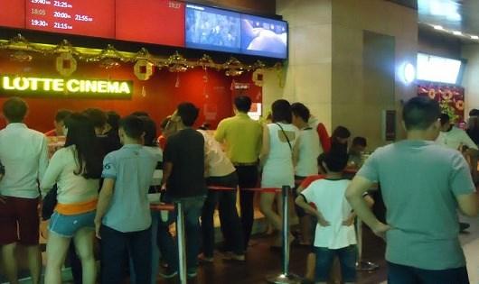 Khán giả ở độ tuổi 13, 16 đi xem phim phải mang giấy khai sinh (?).