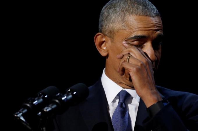 Tổng thống Obama đã nhiều lần phải dừng bài phát biểu vì xúc động. (Ảnh: Reuters)