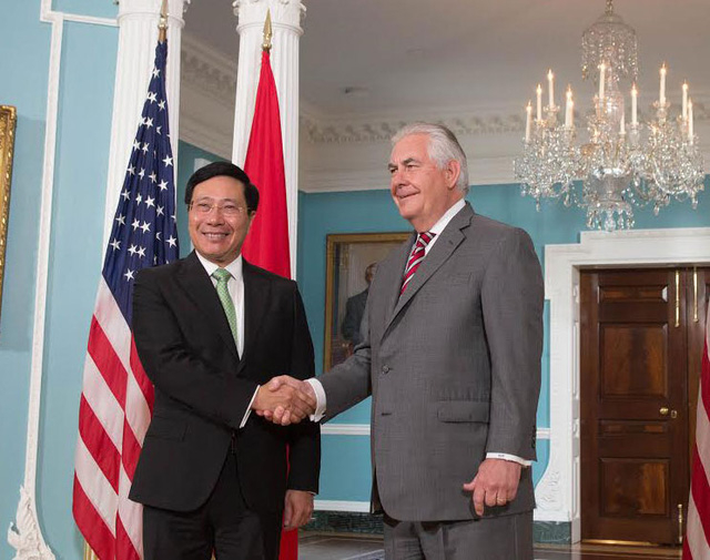 Phó Thủ tướng,Bộ trưởng Bộ Ngoại giao Phạm Bình Minh và Ngoại trưởng Rex Tillerson. (Ảnh: Bộ Ngoại giao Việt Nam)