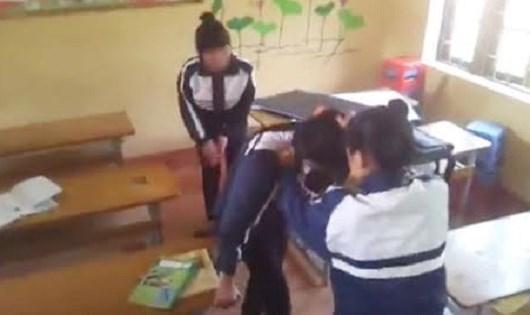 Bạo lực ở lứa tuổi học đường ngày càng phổ biến là một biểu hiện của tình trạng đạo đức xuống cấp.
