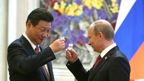 """Các nước bắt đầu một """"cuộc đua"""" giành ảnh hưởng với Triều Tiên, trong đó có cả Trung Quốc và Nga. Ảnh: News Number"""