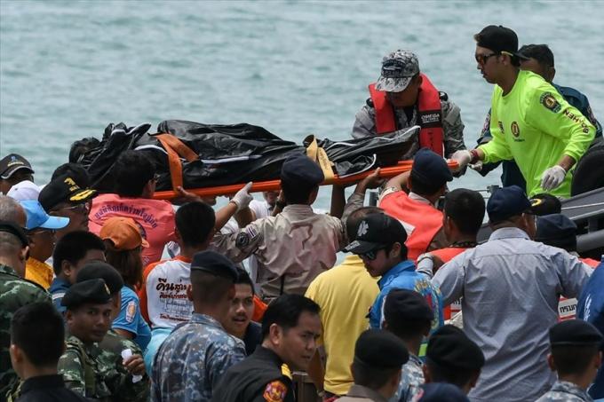 Ít nhất 42 người chết trong vụ lật tàu ở Phuket, Thái Lan. Ảnh: Getty Images