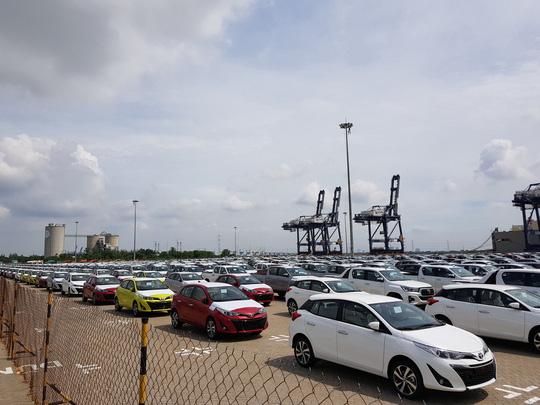 Nhiều dòng xe của hãng Toyota nhập khẩu về cảng Hiệp Phước TP HCM