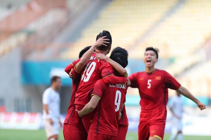 Việt Nam sẽ vượt qua vòng bảng trước một lượt trậnnếu đánh bại Nepal. Ảnh:Đức Đồng.