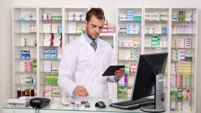 Dược sĩ - Lương trung bình năm: 127.120 USD