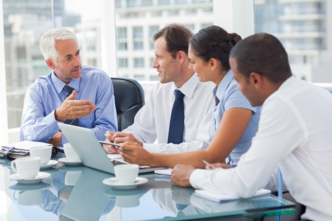Cố vấn doanh nghiệp - Lương trung bình năm: 115.580 USD