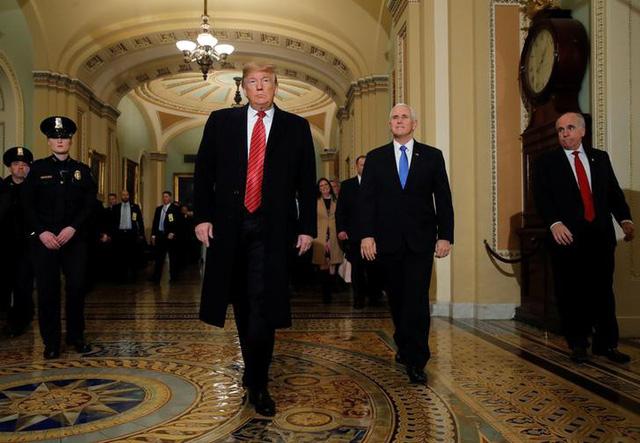 Ông Trump nổi giận, bỏ họp vì không đạt thỏa thuận về tường biên giới