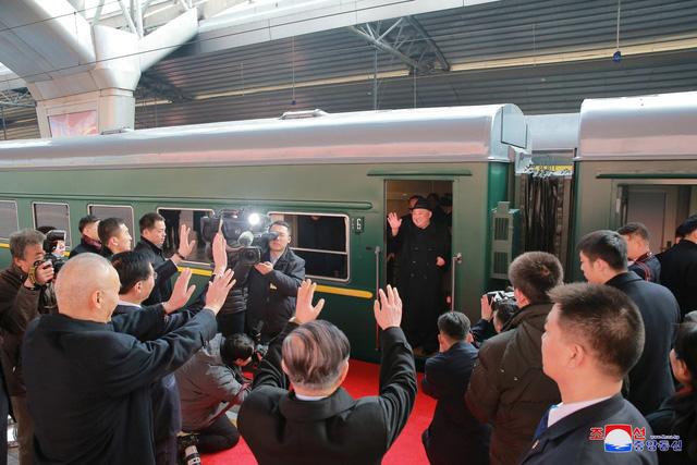 Ông Kim Jong-un có thể tới Việt Nam bằng đoàn tàu bọc thép