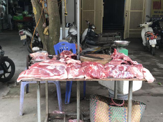 Giá thịt lợn dao động từ 60.000 - 68.000 đồng/kg tại các chợ bán lẻ