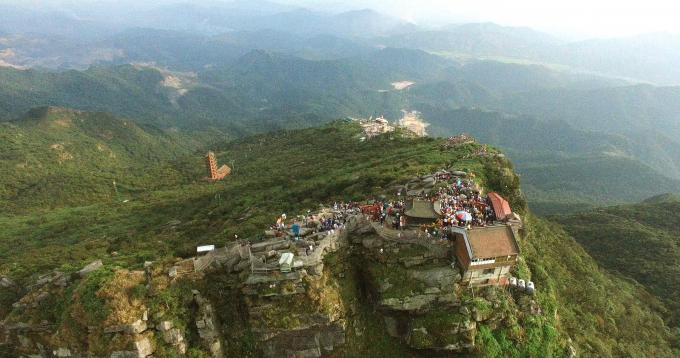 ...là điểm cuối cùng của tuyến hành hương cho du khách tìm về cõi Phật.