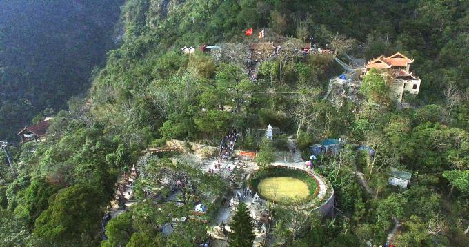 Chùa Hoa Yên và các chùa xung quanh tạo nên quần thể kiến trúc chính của khu Yên Tử.