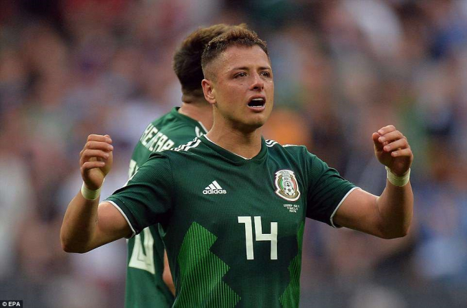 Còn các cầu thủ Mexico, họ đã không giấu được niềm hạnh phúc sau chiến thắng lịch sử.