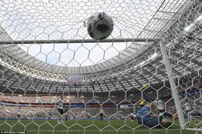 Neuer đã rất cố gắng nhưng không thành công.
