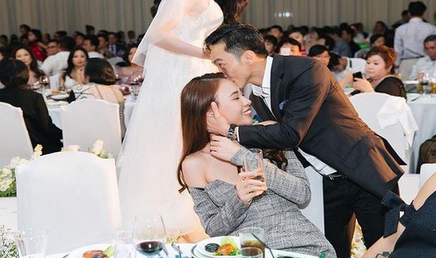 Cường Đô La hạnh phúc bên người đẹp Đàm Thu Trang.