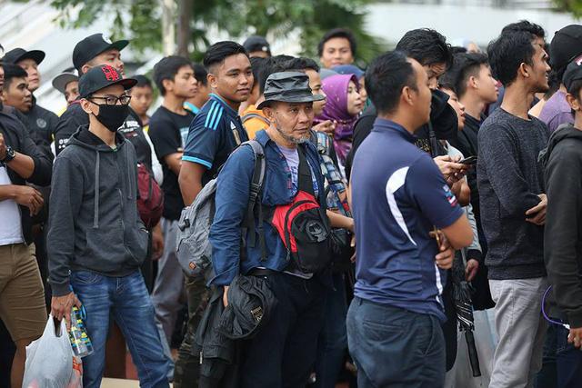 Mua vé trận chung kết: Hàng nghìn CĐV xếp hàng qua đêm tại thủ đô Kuala Limpur