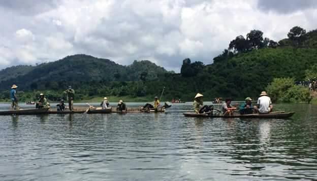 Lực lượng cứu hộ và người dân đã tìm được thi thể nạn nhận