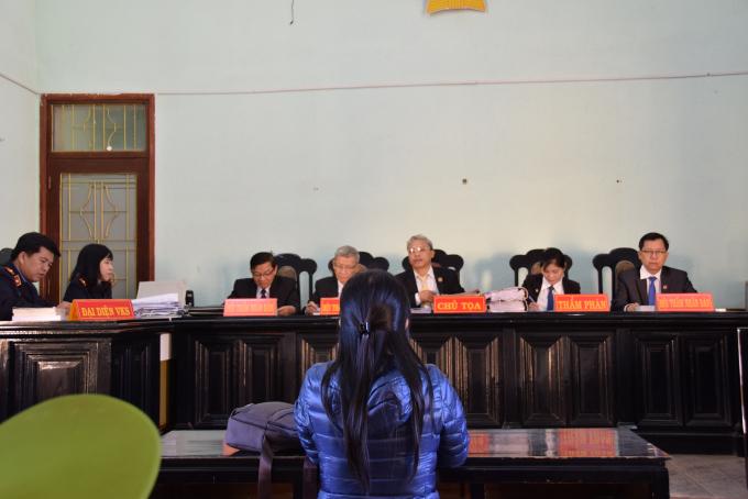 Bị cáo Tân bào chữa tại phiên tòa.