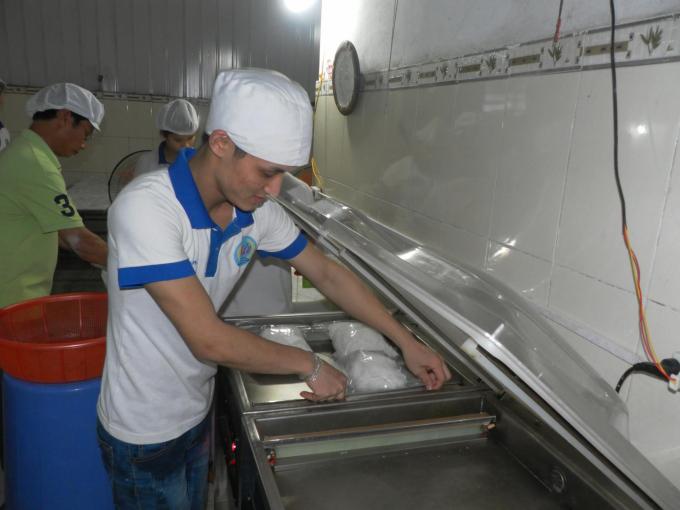Anh Huy đã đầu tư công nghệ, dây chuyền sản xuất bún hiện đại, tuân thủ tuyệt đối quy trình sản xuất sạch, an toàn.