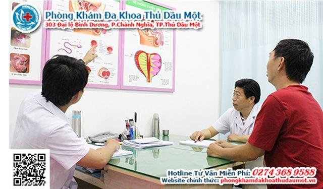 Các bác sĩ luôn nhiệt tình thăm khám cũng như tư vấn rõ cho bệnh nhân.