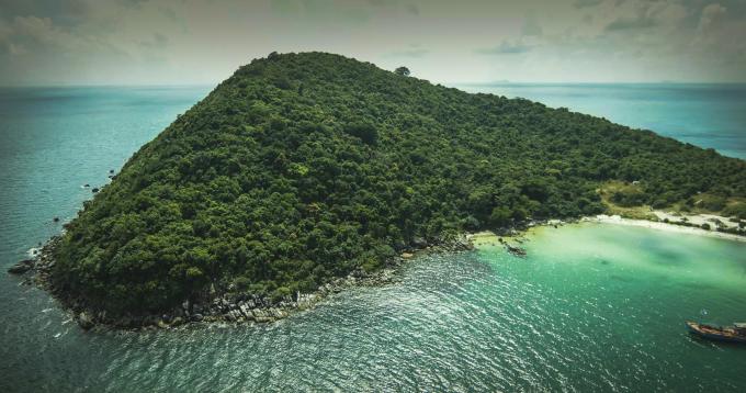 Thiên nhiên tuyệt mỹ ở Mũi Ông Đội là nơi hoàn hảo để nghỉ dưỡng