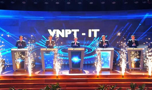 Lãnh đạo VNPT khẳng định, VNPT –IT phải là hạt nhân, lực lượng nòng cốt trong chuyển đổi số của VNPT.