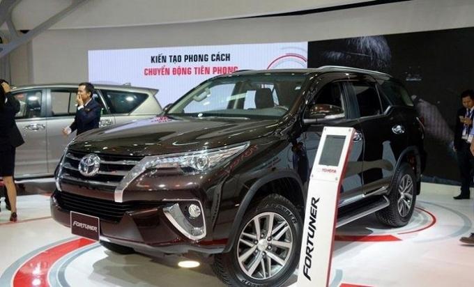 Doanh số bán xe Toyota Fortuner trong tháng 8/2018 đạt 926 chiếc, chiếm 97% tổng doanh số bán Fortuner trong 8 tháng đầu năm 2018.