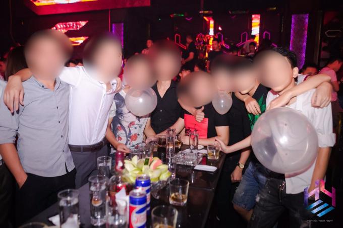 Những cuộc vui tới bến ở Hey Club.