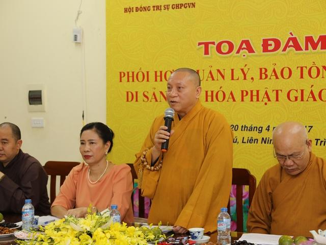 Hòa thượng Thích Gia Quang Phó chủ tịch Hội đồng Trị sự T.Ư GHPGVN phát biểu tại buổi tọa đàm.
