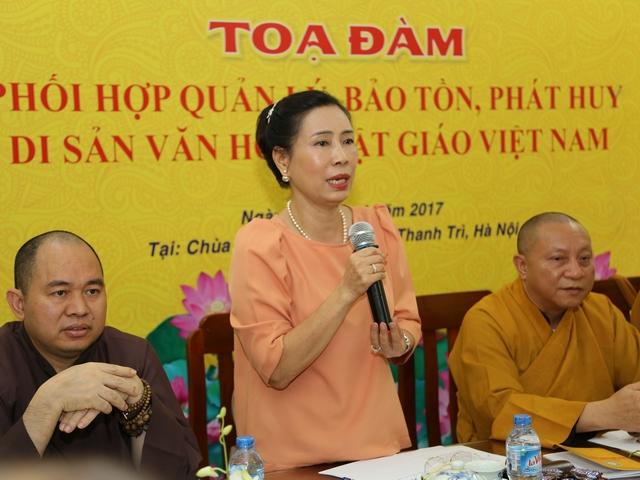 Bà Đặng Thị Bích Liên, Thứ trưởng Bộ Văn hóa TT&DL phát biểu trong buổi tọa đàm.
