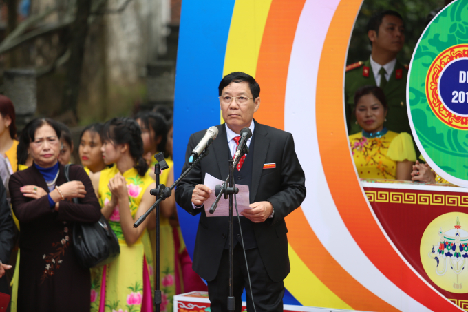 Ông Nguyễn Văn Hậu ủy viên thường vụ huyện ủy, phó chủ tịch ủy ban nhân dân huyện Mỹ Đức đọcdiễn văn khai mạc lễ hội