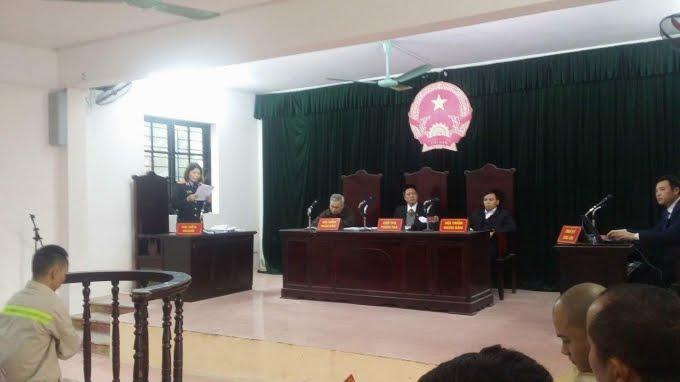 Trước đó, trong phiên toà xét xử sơ thẩm vào ngày 28/12, TAND huyện Mỹ Hào tuyên phạt bị cáo Hoan 03 năm 6 tháng tù giam về tội trộm cắp tài sản.