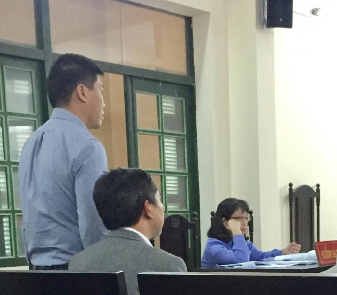 Ông Vũ Xuân Lai, Nguyên Trưởng BQL Dự án Công ty ICC đã bị HĐQT Công ty ICC phế truất năm 2017 có mặt tham dự phiên tòa ngày 22/11 với tư cách Giám đốc Công ty Tân Hồng Hà.