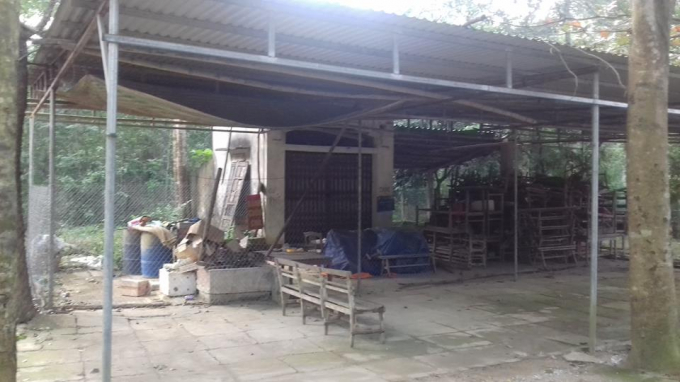 Phần lán trại mà ông Minh xây dựng đang bị Ban quản lý rừng Sim yêu cầu tháo dỡ, cấm bán hàng trên phần đất mà ông Minh thầu khoán.