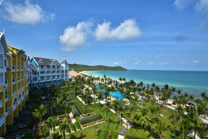 Đây cũng là khu nghỉ dưỡng 5 sao ++ đầu tiên trong chuỗi các dự án của Sun Group tại Phú Quốc.