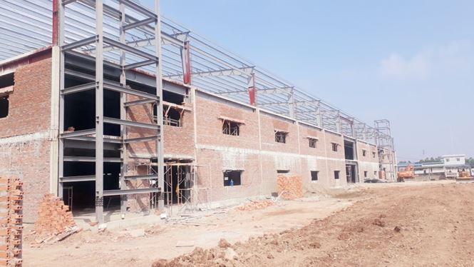 Khối nhà 3 tầng đã cơ bản hoàn thành phần thô (Ảnh nguồn Nguyễn Trường - Báo Tiền Phong).