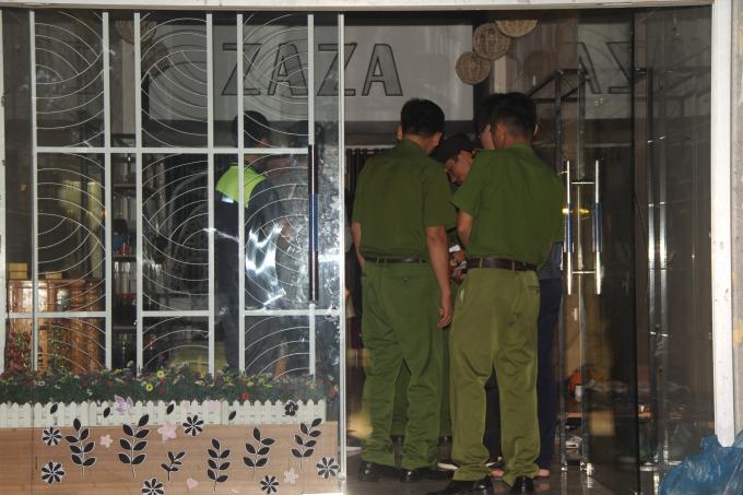 Sau hơn 14 giờ cầm lựu đạn cố thủ, Lê Ngọc Sơn mới chịu đầu thú.
