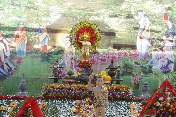 Chương trình đại lễ Phật Đản tại chùa Thụy Ứng được nhà chùa phối hợp với Thành hội Phật giáo Hà Nội tổ chức.