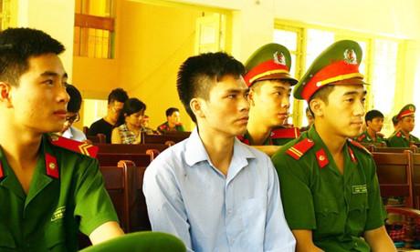 Bị cáo Lý Nguyễn Chung tại phiên tòa sơ thẩm. (Ảnh: báo Công an nhân dân)