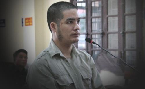 Hoàng Văn Hậu tại phiên tòa.