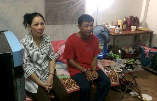 Vợ chồng Tuấn trốn truy nã trong căn nhà trọ giữa khu rừng hoang vắng.
