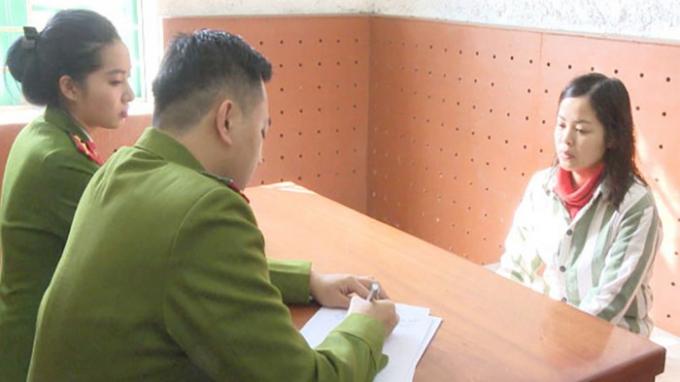 Lê Thị Hằng tại Cơ quan Cảnh sát điều tra. (Ảnh: báo Thanh niên)