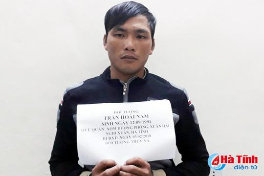 Đối tượng Trần Hoài Nam bị bắt giữ tại cơ quan công an. (Ảnh: báo Hà Tĩnh)