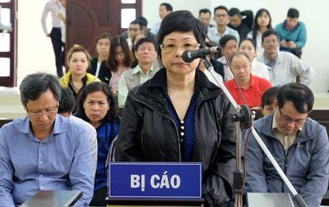Cựu Đại biểu Quốc hội Châu Thị Thu Nga và đồng phạm tại phiên tòa phúc thẩm. (Ảnh: báo An ninh thủ đô)