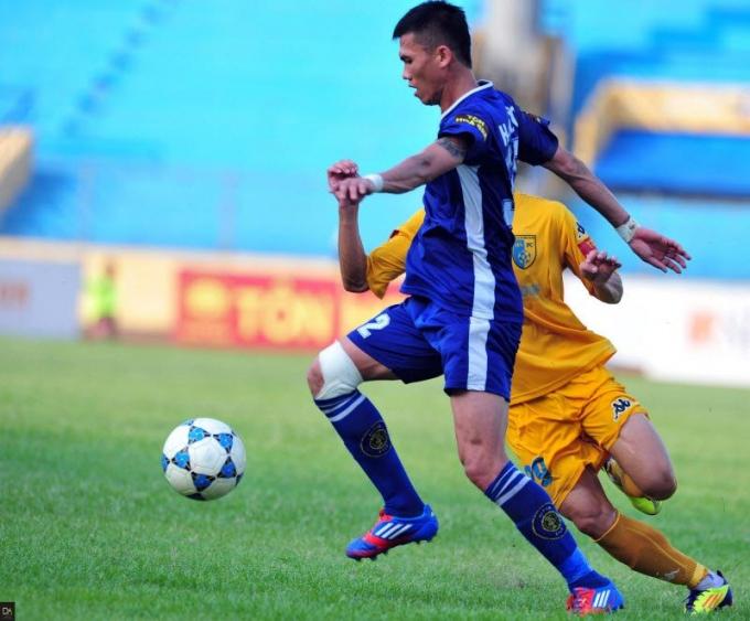 Từ Hữu Phước khi còn chơi tại V.League.