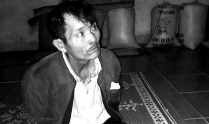 Vi Đình Hoa định ăn lá ngón tự tử nhưng được ngăn kịp thời.